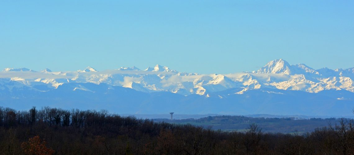 pyrenees-2464335_1920